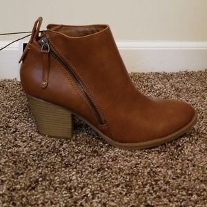 dv ankle boots